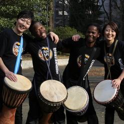 音楽を使ったチームビルディングで日本を元気にするドラムカフェジャパンのアーティスト達